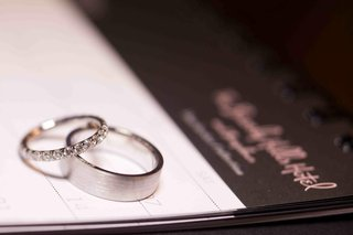 wedding-rings-on-top-of-beverly-hills-hotel-stationery