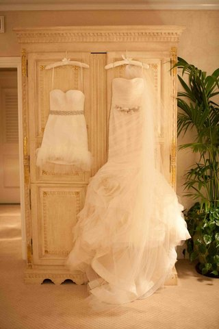vera-wang-wedding-dress-and-mini-reception-dress