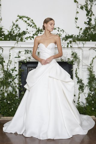 monique-lhuillier-fall-2018-ball-gown-with-ruching-on-bodice-and-modern-folds-on-top-of-skirt