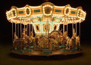 coachella-venue-empire-polo-club-horse-carousel