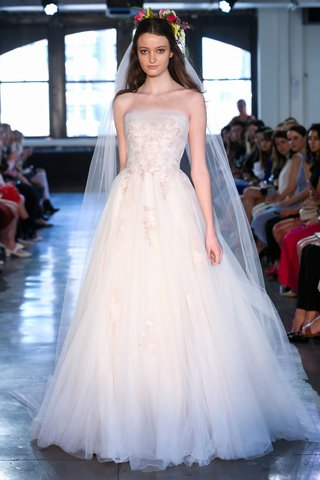 hermiaby-wtoo-by-watters-spring-2019-strapless-ball-gown-with-scroll-embroidery