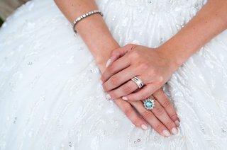 bride-in-zuhair-murad-wedding-dress-kleinfeld-brideal-engagement-ring-and-grandmothers-blue-diamond