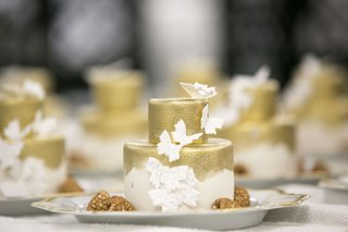 wedding-cake-small-gold-with-butterfly-decorations-gold-paintbrush-strokes-style-brushstrokes