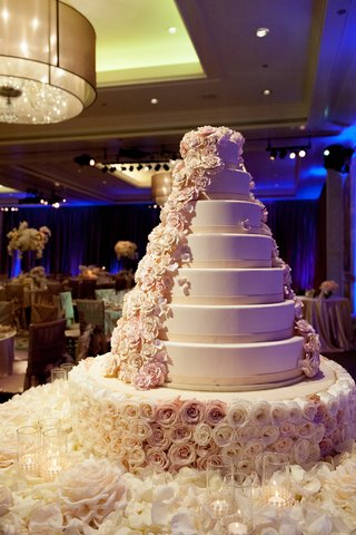 round-cake-adorned-with-cascading-sugar-flowers