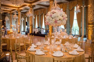 classic-wedding-at-the-drake-hotel-gold-coast-room-blush-and-ivory-flower-arrangements