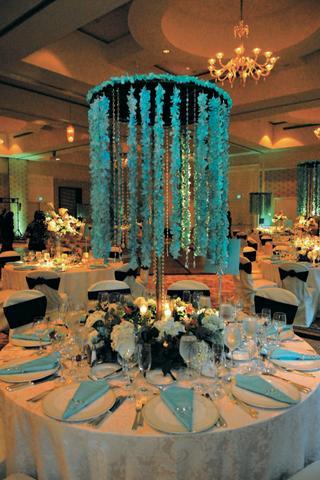 chandelier-style-wedding-reception-centerpiece