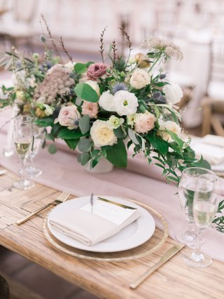wedding-reception-wood-tablee-low-centerpiece-white-dusty-rose-lavender-blue-greenery-gold-flatware