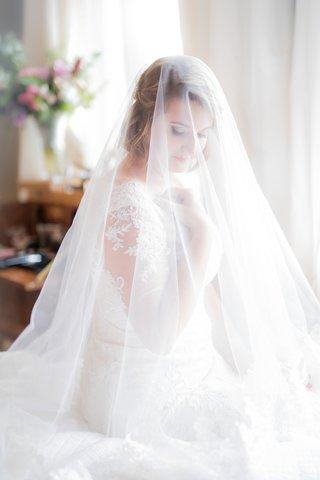 wedding-portrait-bride-with-short-hair-under-handmade-veil-oleg-cassini-wedding-dress-illusion