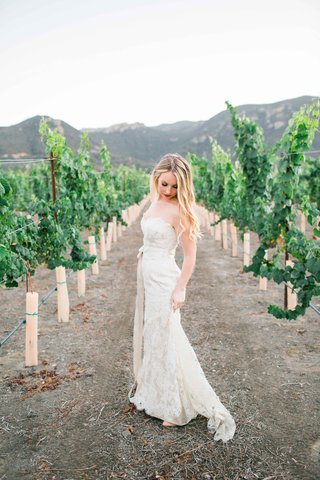beautiful-bride-white-jim-hjelm-dress-alfresco-outside-wedding-california-vineyard-vines-lace