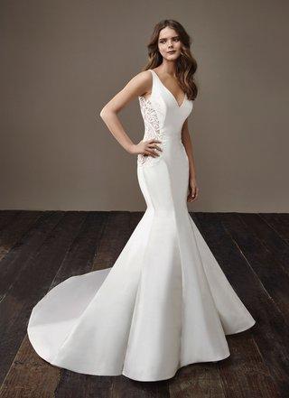 badgley-mischka-bride-2018-collection-wedding-dress-beth-sleek-satin-silk-mermaid-trumpet-gown-lace