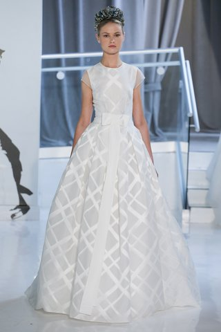 arielle-by-peter-langner-spring-2018-jewel-neckline-ball-gown-in-silk-jacquard-large-plaid-pattern