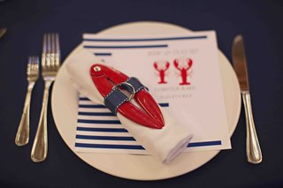 nantucket-rehearsal-dinner-with-red-and-blue-decorations