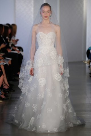 oscar-de-la-renta-2017-bridal-collection-strapless-wedding-dress-with-flower-embroidery-cathedral