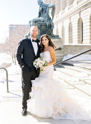 mitchell-schwartz-nfl-player-kansas-city-chiefs-cleveland-browns-nfl-wedding-bride-in-mermaid-dress