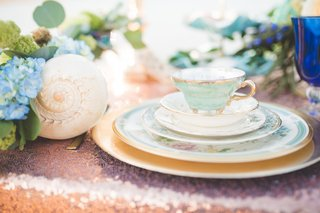 painted-china-and-shells-for-beach-wedding