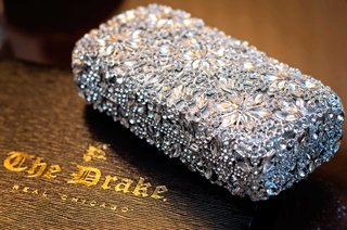 crystal-detailed-bridal-purse-with-floral-patterns