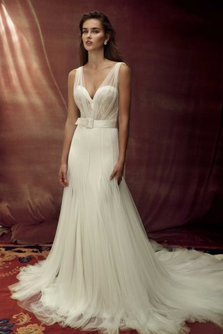lihi-hod-2016-godet-skirt-with-sweetheart-neckline-bodice-and-belt-with-buckle