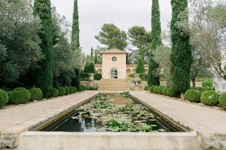 wedding-at-chateau-diter-in-south-of-france-ornamental-ponds-with-lilypads