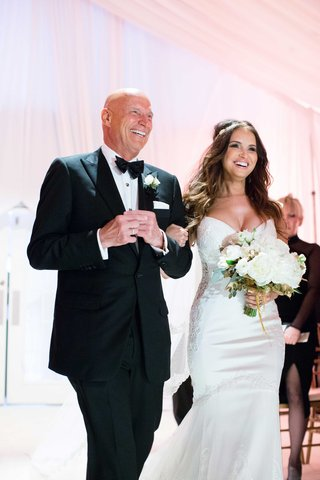 heidi-mueller-and-father-of-the-bride-walk-down-aisle