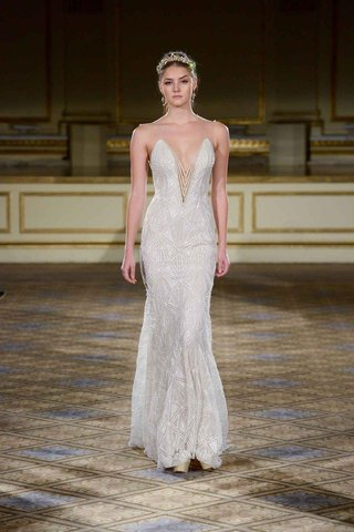 berta-fall-winter-2016-pearl-beads-on-plunging-neckline