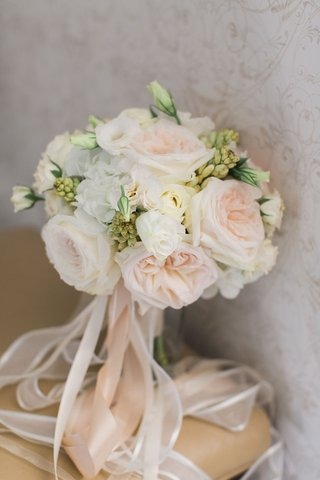 wedding-bride-bouquet-with-pink-garden-rose-and-white-flowers-greenery-rosebuds-white-pink-ribbons