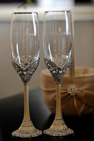 antique-champagne-flutes-for-bride-and-groom
