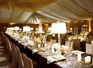 wedding-reception-with-sparkle-sequin-linen-in-tent
