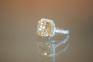 joanna-krupas-halo-engagement-ring-with-yellow-diamond
