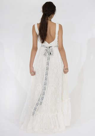 western-style-claire-pettibone-lace-wedding-dress-with-black-bow