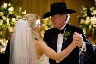 bride-and-father-of-the-bride-dance-at-reception-in-cowboy-hat
