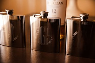monogram-flasks-for-groom-and-groomsmen-wedding-favors-flask-gift-ideas