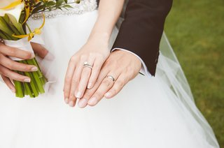 platinum-silver-wedding-bands-and-engagement-ring