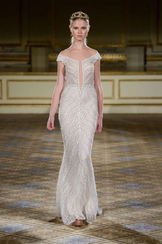 berta-fall-winter-2016-off-the-shoulder-straps-on-wedding-dress