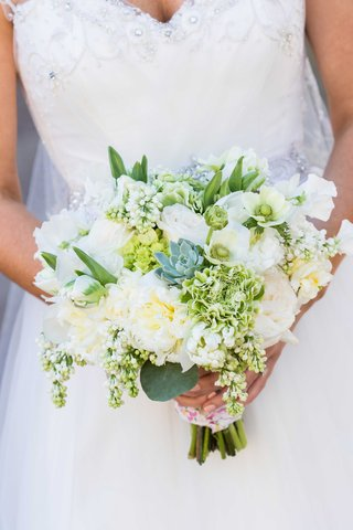 white-wedding-bouquet-with-green-foliage-and-succulents