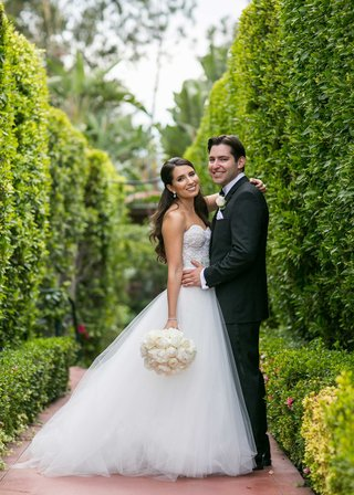 brooke-polson-love-detailed-in-monique-lhuillier-wedding-dress-and-groom-jason-kleinman