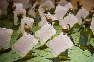 couple-gave-out-their-own-small-bottles-of-olive-oil-as-favors-as-a-nod-to-their-current-home-italy