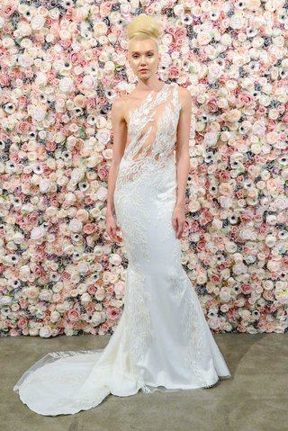 michael-costello-spring-summer-2018-bridal-couture-collection-asymmetrical-gown-sheer-illusion