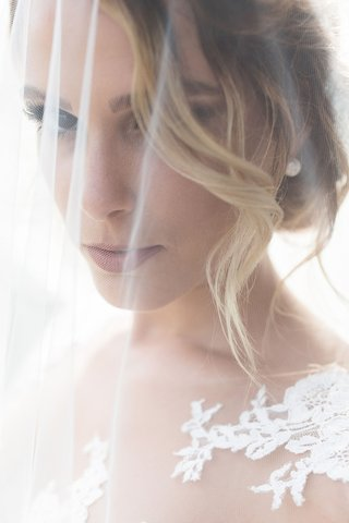 romantic-photo-of-blush-with-blusher-veil-over-her-face