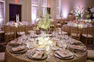 modern-lucite-display-of-calla-lilies-and-orchids-at-wedding-reception
