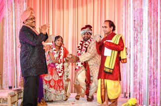 indian-couple-married-in-hindu-ceremony