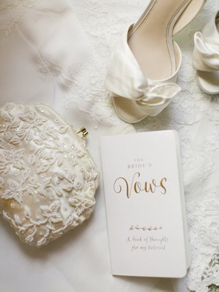 white-beaded-bridal-bag-clutch-coin-purse-book-for-vows