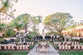 ringling-museum-wedding-reception-in-outdoor-courtward-in-front-of-fountain