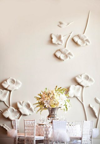 white-winter-wedding-ideas-with-mismatched-chair-covers