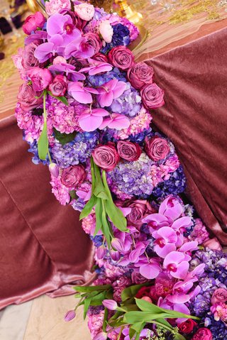 purple-hydrangeas-and-fuchsia-orchids-mauve-roses-floral-runner