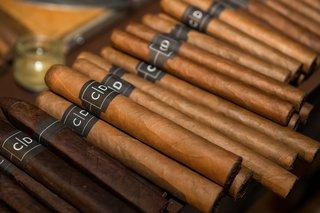 cigars-at-wedding-cigars-labeled-with-monogram-at-wedding