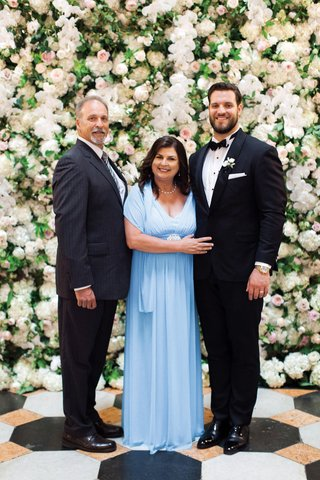 detroit-lions-tackle-taylor-decker-wedding-with-his-parents