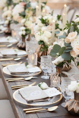 wedding-tablescape-decor-gold-flatware-charger-blush-ivory-flowers-eucalpytus-antique-glassware