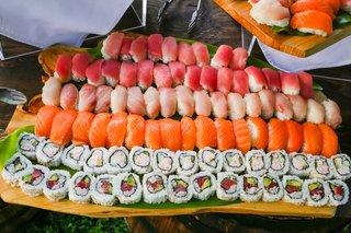 sushi-and-sashimi-served-at-wedding