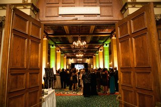 wedding-cocktail-hour-in-the-tifanny-room-of-the-millennium-biltmore-hotel-los-angeles