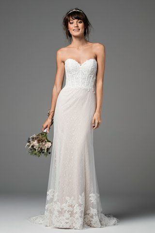strapless-gown-with-a-bustier-bodice-sweetheart-neckline-and-a-skirt-with-a-freesia-motif-chantil